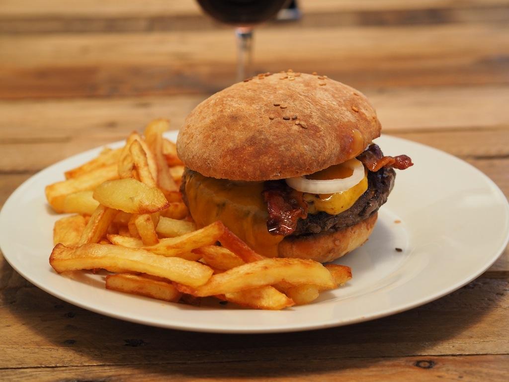 Hamburgers maison recette de big fernand like a bobo - Recette hamburger maison original ...
