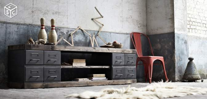 D co du salon mobilier industriel et scandinave for Meuble bas long salon