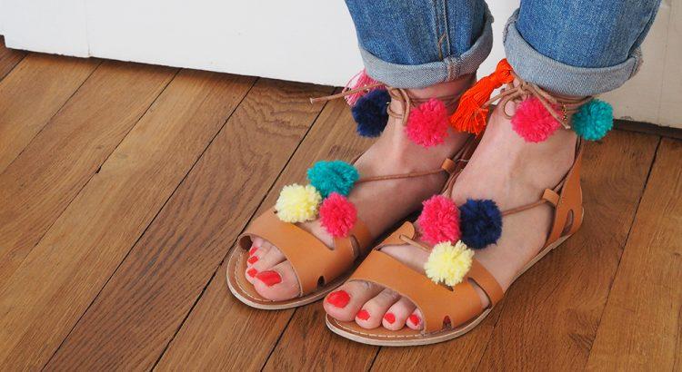 DIY-sandales-pompons-1